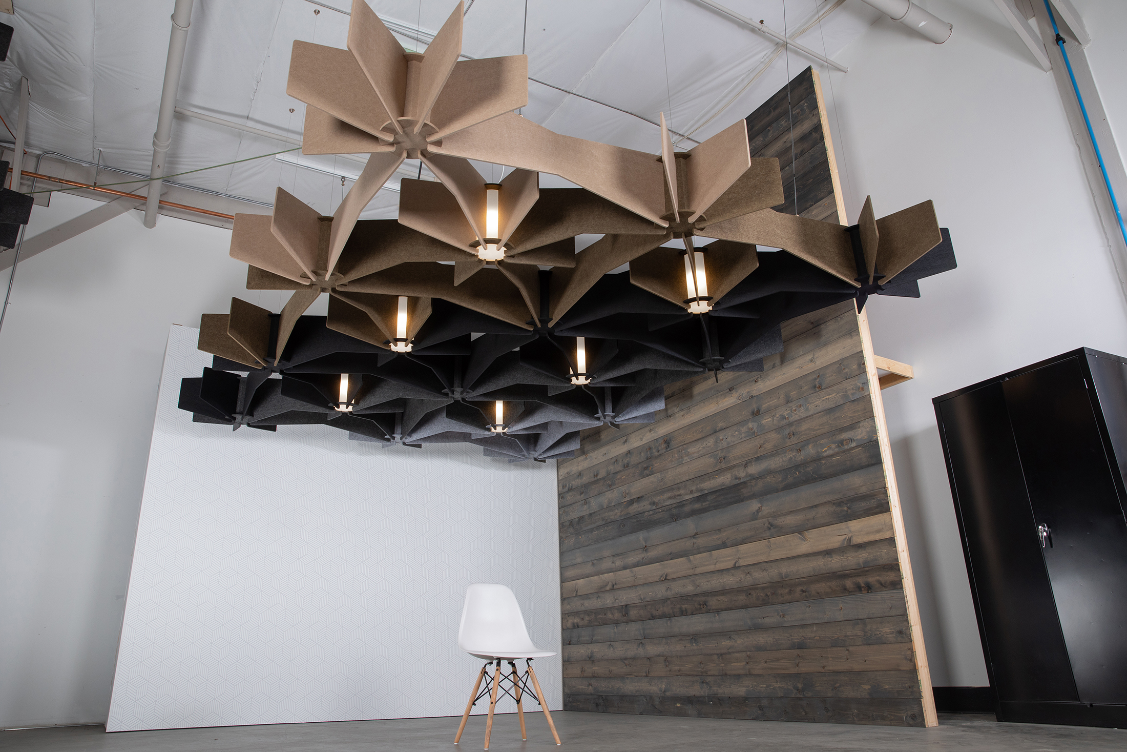 Echo Grid Gradient