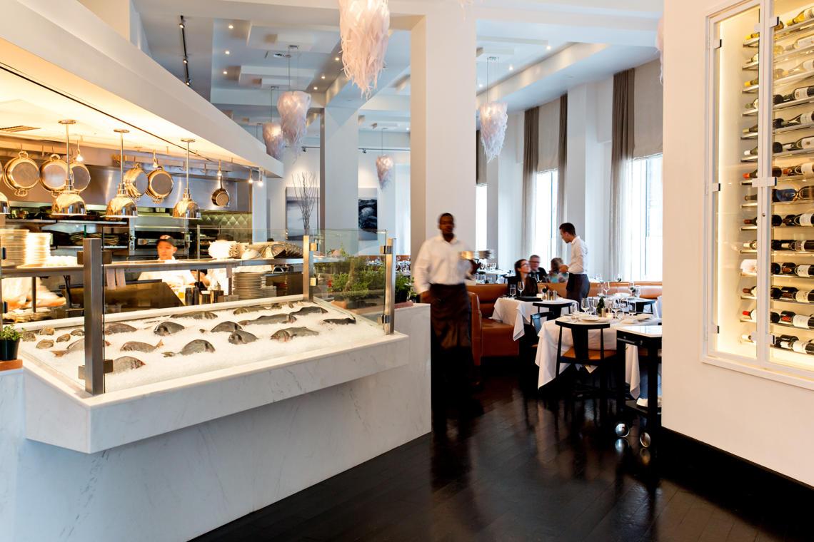 LightArt | Icicle Chandelier - Ostra Restaurant